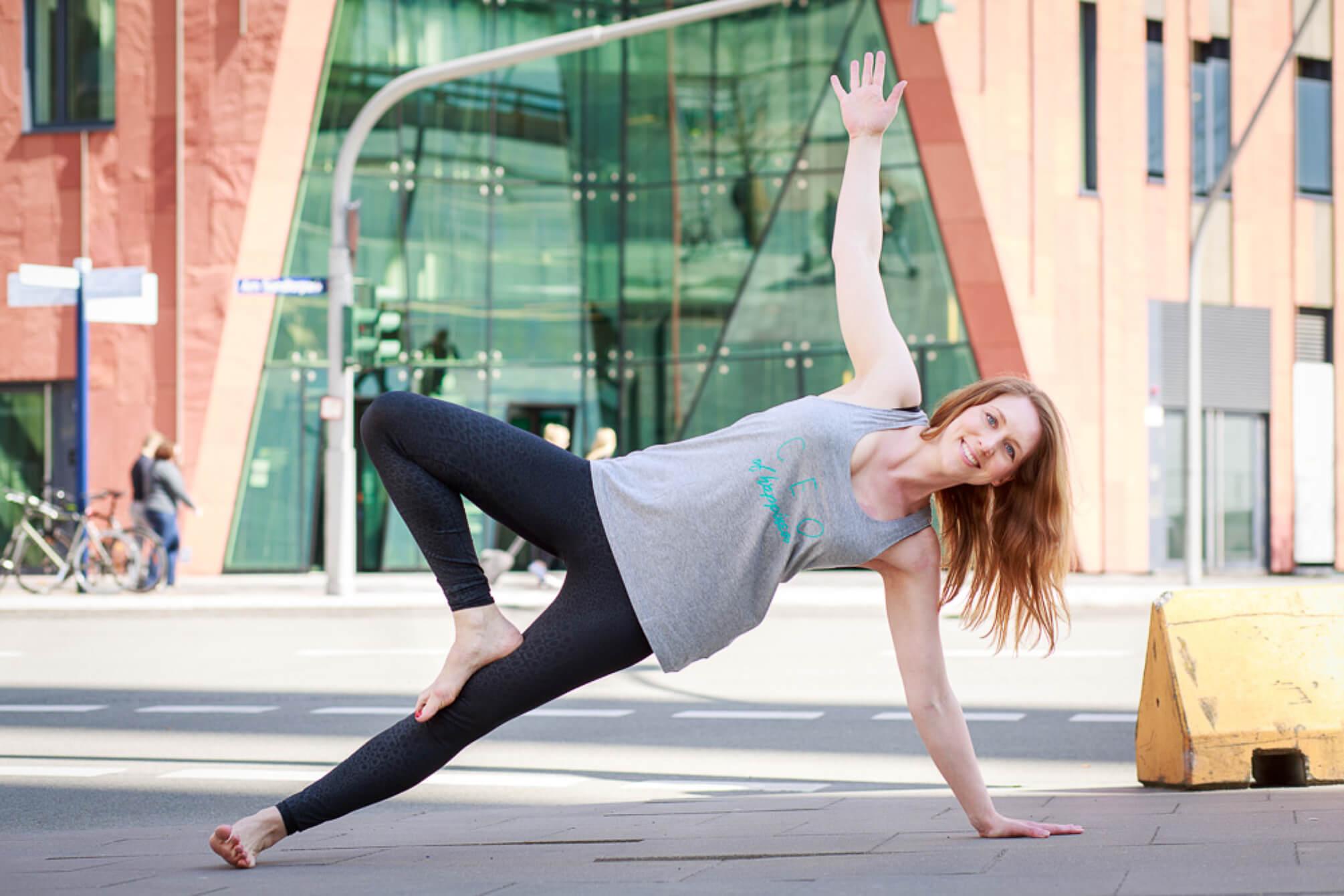 Vanessa Meampel von Yoga2b