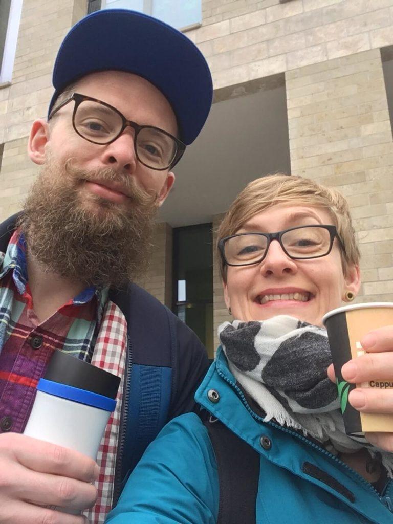 Auftakt-Kaffee mit Bruderherz - WordCamp Osnabrück - La Familia von dem Bussche ist bereit